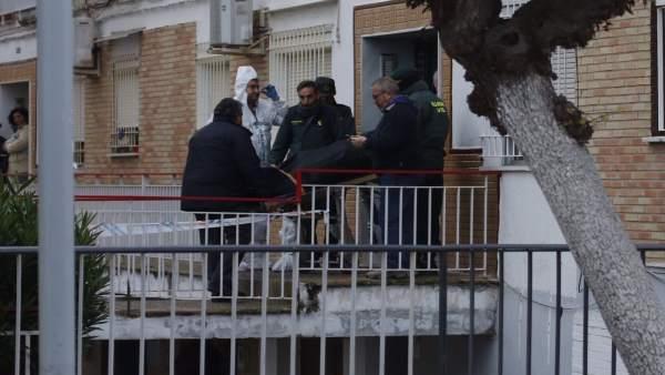 Imagen de la vivienda de La Algaba donde se ha producido el enfrentamiento