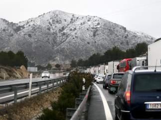 Atascos por la nieve entre Alicante, Albacete y Madrid.