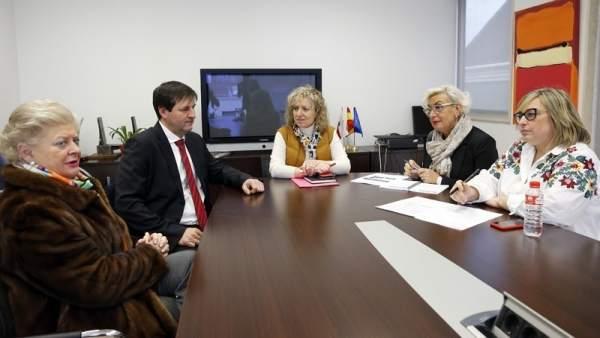 Díaz Tezanos se reúne con representantes de la Fundación Asilo