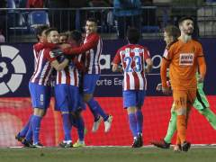El Atlético golea al Eibar y pone un pie en las semifinales de la Copa del Rey