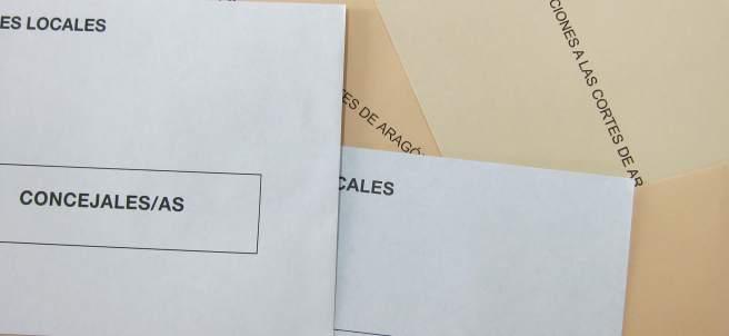 Sobres, papeletas electorales.