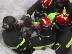 Asciende a siete el número de muertos en el hotel sepultado por un alud en Italia