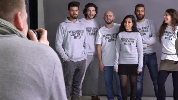 Refugiados haciendo de modelos por una buena causa
