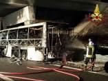 Accidente e incendio de autobús en Verona
