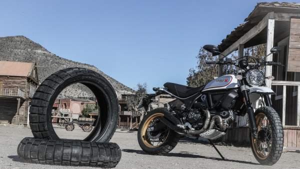 La Ducati Scrambler DS se ha presentado en el Fort Bravo.