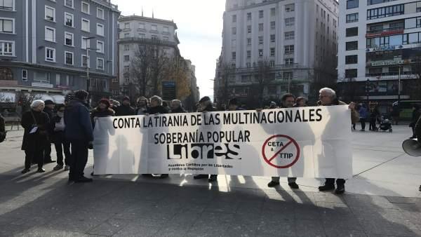 Inicio de la manifestación en el Ayuntamiento