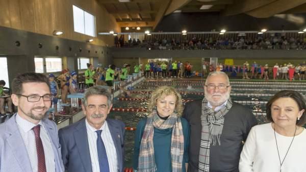 Inauguración de la piscina de cubierta de Colindres