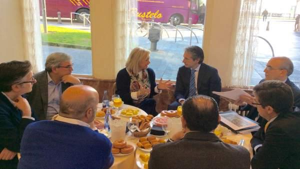 Reunión ministro de Fomento y PP Asturias.