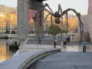 Turistas en Bilbao