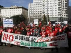 """La plantilla de Coca-Cola Fuenlabrada pide en Madrid puestos de trabajo """"reales"""""""