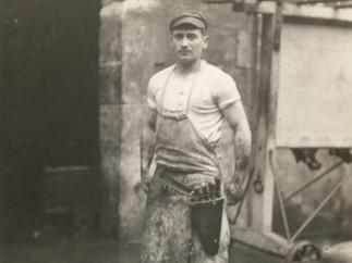 Eli Lotar, At the La Villette slaughterhouses,1929