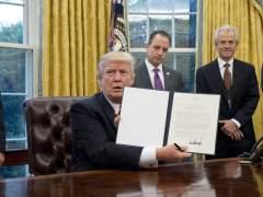 Trump saca a EE UU del tratado de libre comercio Transpacífico