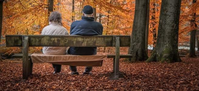 Jubilados en un parque
