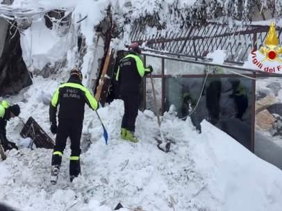 Rescate en el hotel Rigopiano (Italia)