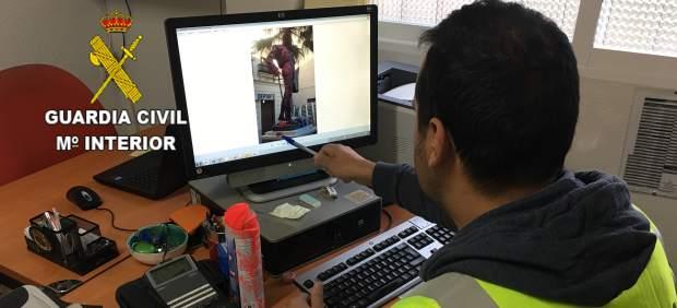 Detenciones por las pintadas en la estatua del torero Enrique Ponce en Chiva