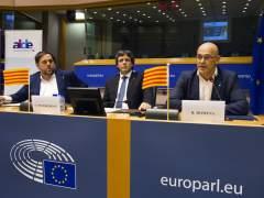 """Puigdemont asegura en Bruselas que el referéndum se hará """"sí o sí"""" este 2017"""