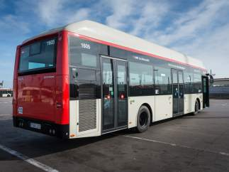 Autobús Solaris Urbono 18 híbrido que Transports Metropolitans de Barcelona (TMB) incorpora a su flota de autobuses urbanos este 2017.