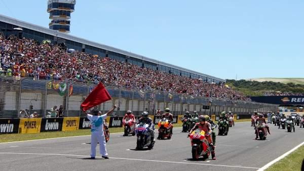 Salida prueba de motos en el Circuito de Jerez