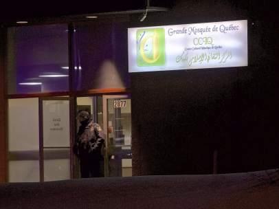 Agente de la Policía de Quebec tras el ataque a una mezquita