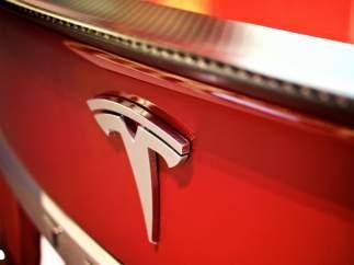 Tesla tendrá su coche autónomo en 2018