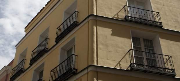 el precio de la vivienda de segunda mano en cyl cae un 2 1