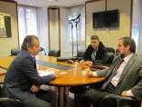 El portavoz de Ciudadanos en la Junta, Nicanor García, con José Antonio Sáenz