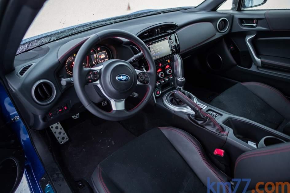 Aspecto interior del Subaru BRZ