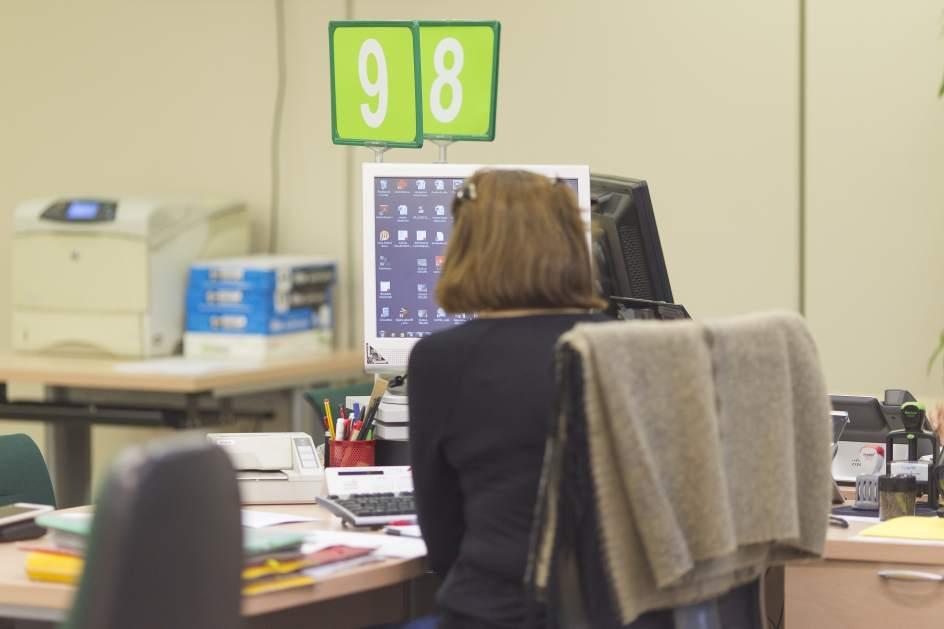 Los afiliados a la seguridad social en canarias caen en 8 for Oficina empleo canarias