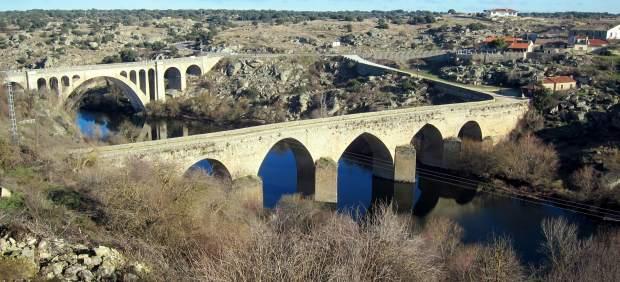 El río Tormes a su paso por el municipio de Ledesma (Salamanca).