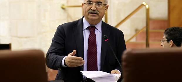 Jiménez Barrios interviene en el Pleno del Parlamento en imagen de archivo
