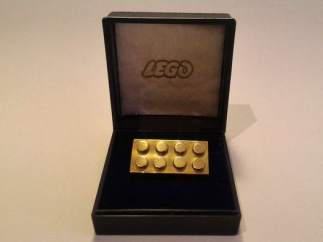 Bloque de LEGO subastado