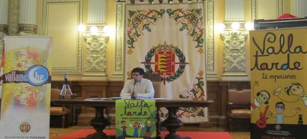 Alberto Bustos durante la presentación