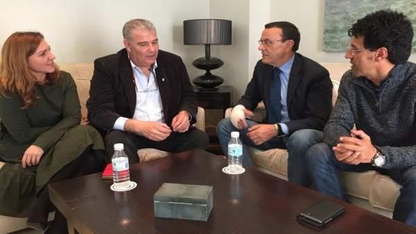 El presidente de la Diputación de Huelva, Ignacio Caraballo, con UPA.