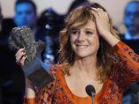 Emma Suárez llora con su segundo Goya de la noche