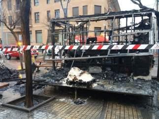 Un incendio destruye una churrería ambulante en Zuera.