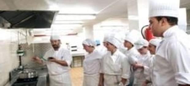 Abierta la inscripci n en 16 cursos para que personas - Cursos cocina pamplona ...