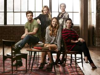 Imagen promocional de 'Younger', la serie creada por Darren Star, responsable de 'Sexo en Nueva York'