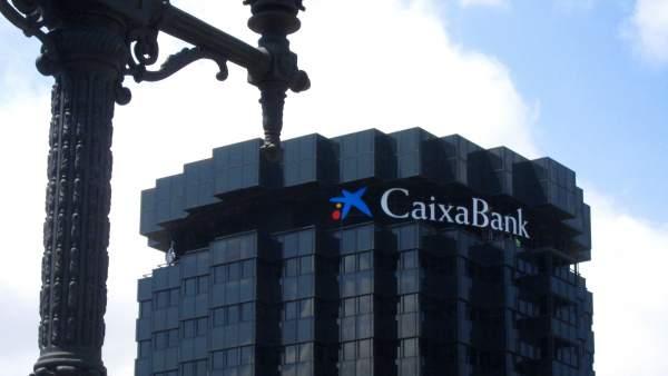 Caixabank controla el 84 5 del banco portugu s de for Pisos caixabank
