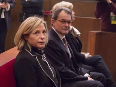Mas, Ortega y Rigau en la sala del juicio por la consulta del 9N.