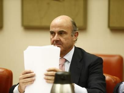 Luis de Guindos comparece en la Comisión de Economía del Congreso