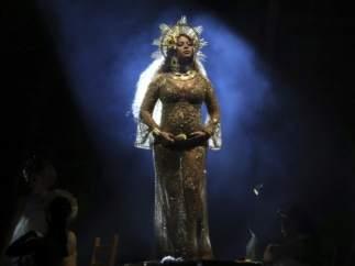 Beyonce, impresionante y embarazadísima en los Grammy