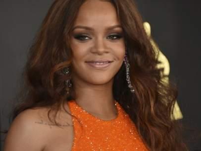 Rihanna, en la 59 edición de los Grammy