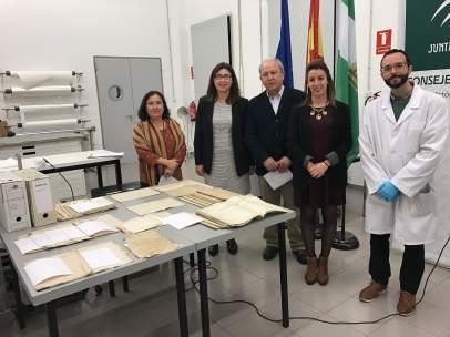Restauración archivos ayto Istán Bautista, alcalde Diego MArin, Esther Cruces