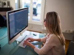 ¿Cuántos jóvenes con trabajo buscan activamente otro?