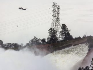 Situación de emergencia en una presa en EE UU