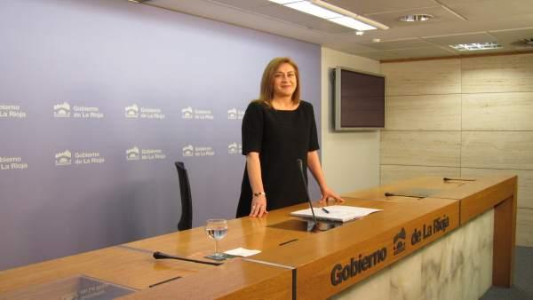 La portavoz del Gobierno riojano, Begoña Martínez Arregui, informa Consejo