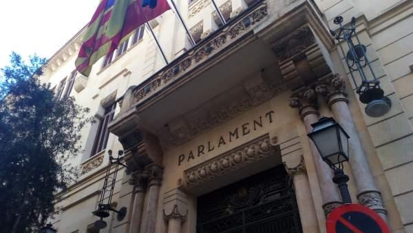 Fachada del parlament de les Illes Balears