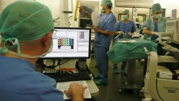 Intervención mediante monitorización neurofisiológica realizada en el CHN.