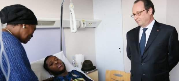 Hollande visita a Théo, agredido por policías
