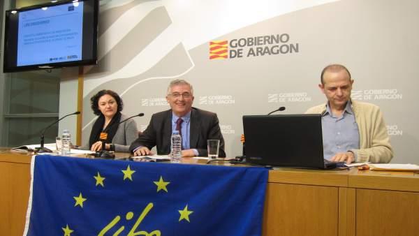 Gómez, Olona y Calleja, hoy en rueda de prensa en el Pignatelli